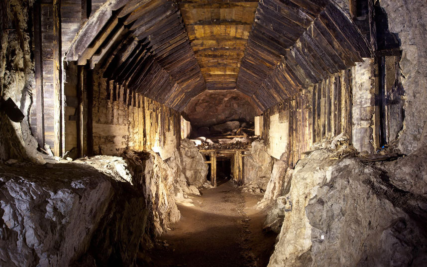 nazi-gold_tunnel_3422325k